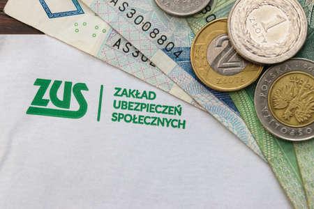 Letter from ZUS (Zaklad Ubezpieczen Spolecznych) - Polish National Social Insurance Company and polish money Standard-Bild - 157306341