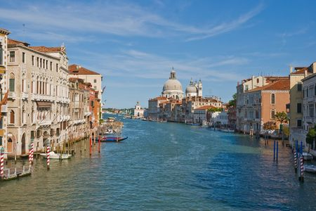 mediodía: Vista de Mediod�a de gran Canale en Venecia Foto de archivo