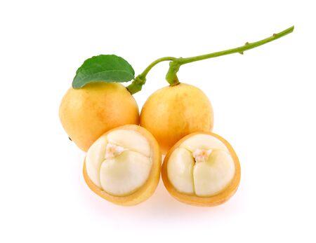 burmese grape(Baccaurea ramiflora) isolated on white background Standard-Bild