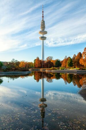 The Planten un Blomen park and the TV tower in Hamburg 版權商用圖片
