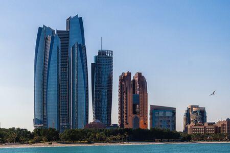 The Abu Dhabi skyline in the UAE 版權商用圖片