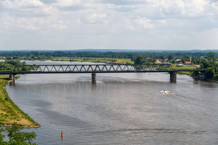 The Lauenburg Elbe Bridge over the Elbe 版權商用圖片