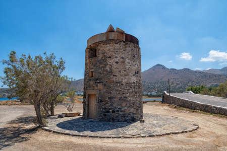 Historic windmill on the Greek island 版權商用圖片
