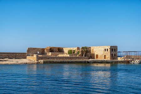 historic building in the port of Chania on the Greek island 版權商用圖片
