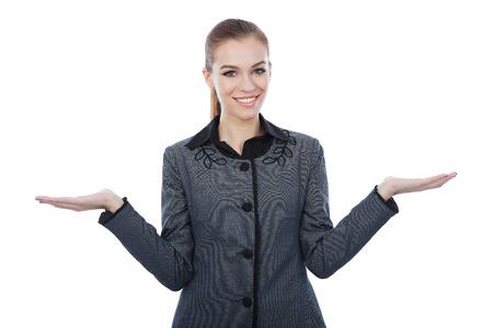 quizzical: Empresas con las dos palmas de sus manos vac�as EXTENTED lado presenta el copyspace. Expresion Quizzical como ella indica que hay una elecci�n o alternativa, con copyspace para la colocaci�n de sus productos.