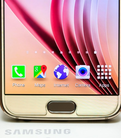 Bottom main button of Samsung Galaxy S6 gold platinum 64 gb edition Stock Photo - 53810986