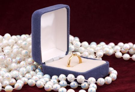 jewellery box: Engagement Ring in a Jewellery Box