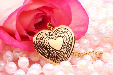 medaglione: Pink Rose Perle e con un cuore Locket