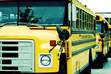 Estacionados los autobuses escolares  Foto de archivo - 415731