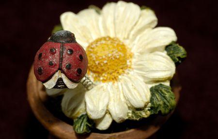Ceramic Flower and Ladybug Zdjęcie Seryjne