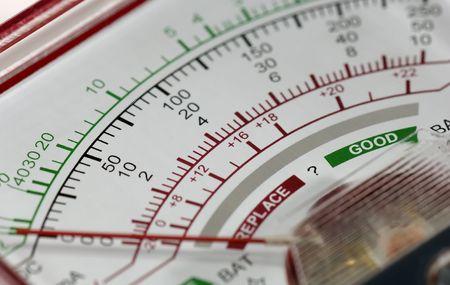 volts: Voltage Meter Gauge