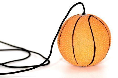 ボールと文字列のおもちゃの写真