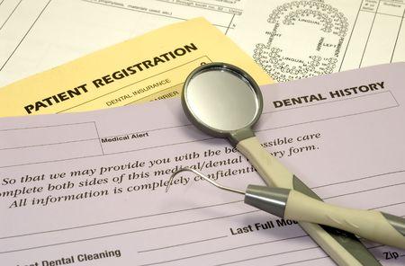Foto de los dentistas y las formas de seguros - médicos relacionados  Foto de archivo - 812173