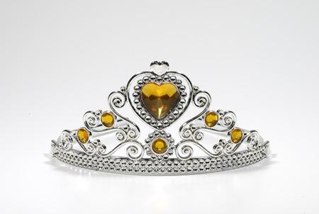 Foto de una Tiara Con Joyas - Corona - Belleza relacionados  Foto de archivo - 1703094