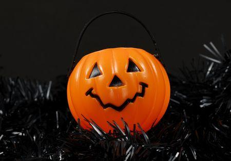Aislado de calabaza Cesta de la compra / Candy cubo - Halloween relacionados con el objeto  Foto de archivo - 1906493