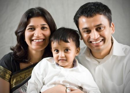 Retrato de familia feliz y la India Etnia Foto de archivo - 4205327