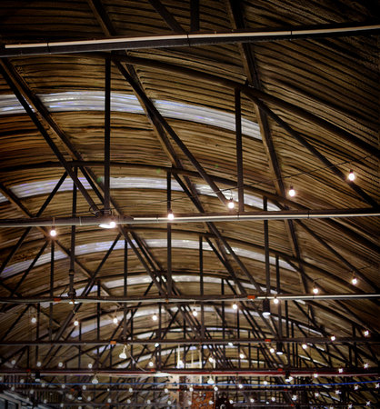 storehouse: Roof of large modern storehouse