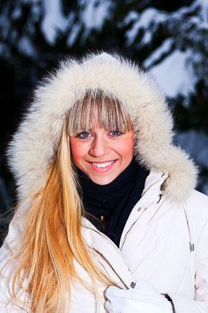 handsom: Fotoset de la ni�a en el bosque de invierno