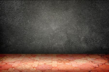 piso piedra: Sitio vacío con el muro negro piedra y suelo de bloques patrón de ladrillo vintage, plantilla Mock para visualización de su contenido.