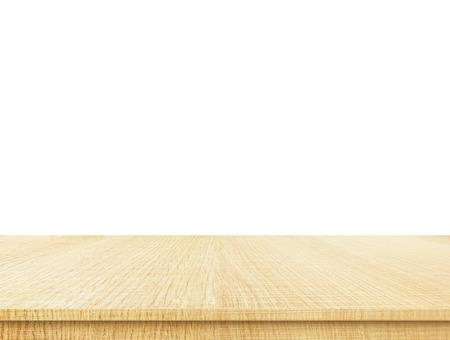 tablero: mesa de madera clara superior vacío aislado en el fondo blanco, dejar espacio para la colocación que el fondo, modelo maqueta para la exhibición del producto.