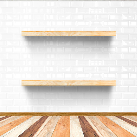 mobiliario de oficina: blanco de la sala de azulejos y suelos de madera con el estante de madera, maqueta para la exhibición de productos.