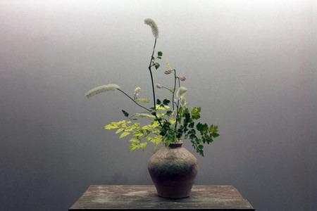 アートの花生け花、日本、秋