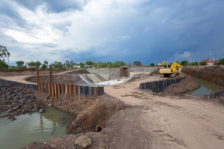 This is the construction of a large floodgates in Thailand 版權商用圖片 - 147922465