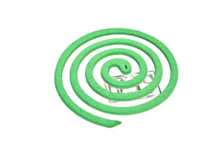 bobina: Mosquiito bobina sobre fondo blanco Foto de archivo