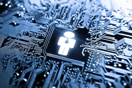 컴퓨터 회로 보드의 사업가 상징 - IT 인적 자원 스톡 콘텐츠