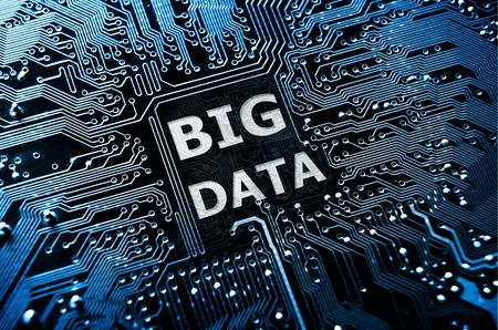 �tech: Concepto de datos de placa de circuito con la palabra Big Data