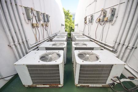 建物の屋根に通気システム