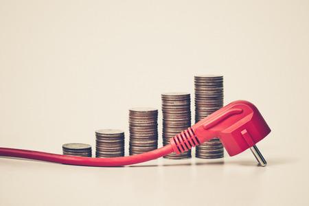 teure Stromkosten durch zu viel Energieverbrauch Gerät / Effekt auf die Verwendung von nicht energieeffiziente Geräte mit
