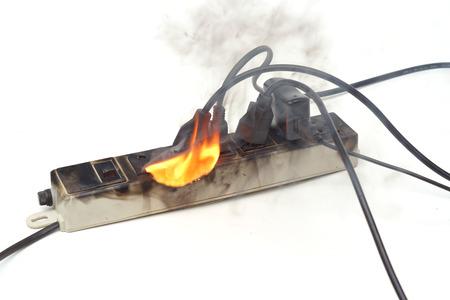 Überspannungsschutz durch Feuer gefangen zu überhitzen Standard-Bild