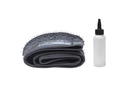 Mountain bike external tubeless tire with sealant liquid