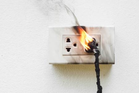 전기 단락  전기 배선의 원인이되는 전기 고장