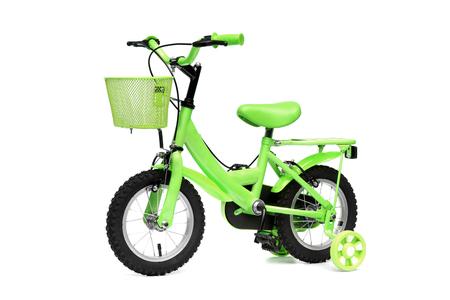 격리 된 배경에 교육 바퀴와 녹색 자전거