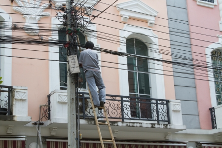 Cable repairman