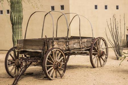 Vintage houten huifkar Stockfoto