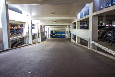 Ramp Leading To Multi Levels In Parking Garage 版權商用圖片
