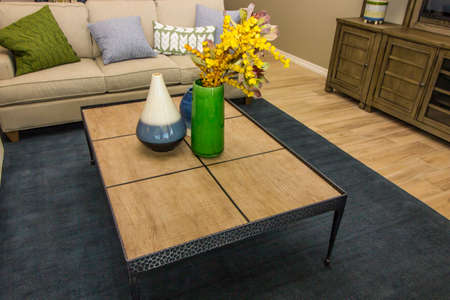 Metal Frame Coffee Table With Wood Top & Decorator Vases