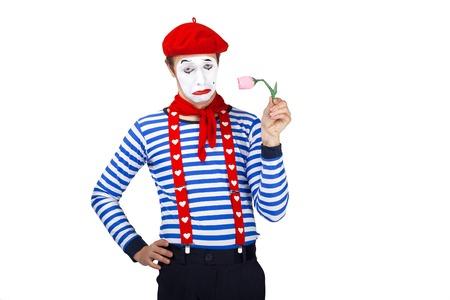 mimo: Mime con el actor flower.Emotional divertido que lleva traje de marinero, boina roja