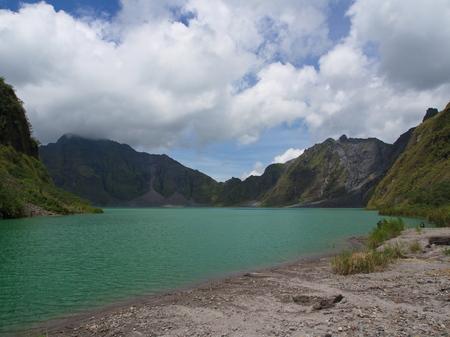 El lago de azufre del volcán Pinatubo. Viaje a Clark, Filipinas en 2013, 21 de julio.