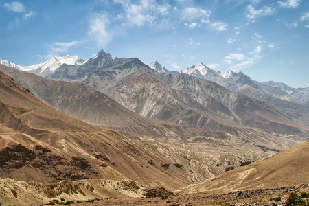 mountains along the pamir highway in tajikistan Imagens