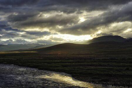 Carretera Karakoram en las provincias del norte de Pakistán, tomada en agosto de 2019 Foto de archivo