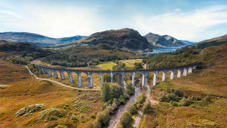 Steam Train on Glenfinnan Viaduct in Scotland in August 2020, post processed using exposure bracketing Banque d'images