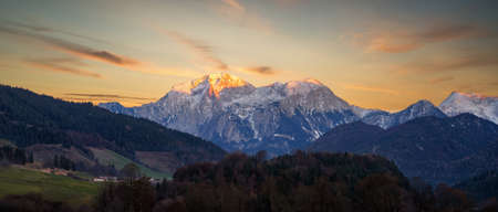Alps Panorama and Berghof on the Left, southern Bavaria, Germany, taken in December 2020, post processed using exposure bracketing Imagens