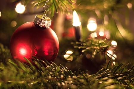 Christmas balls on tree Imagens