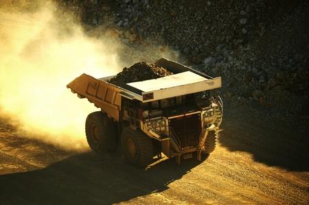 マイニング トラック。1 つの World の 報道画像