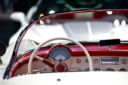 oldtimer: Oldtimer Convertible Dash - Cool American 50s Oldtimer Dashboard - Steering Wheel. Red-White Interior.