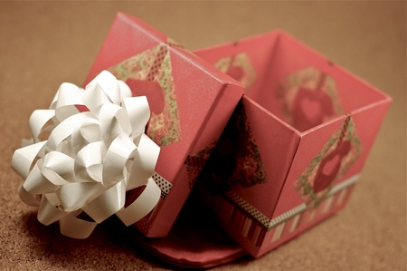 Open Gift Box. Opened Gift Bow with White Bow on the Top. Small Gift Box. Stock Photo - 13238874